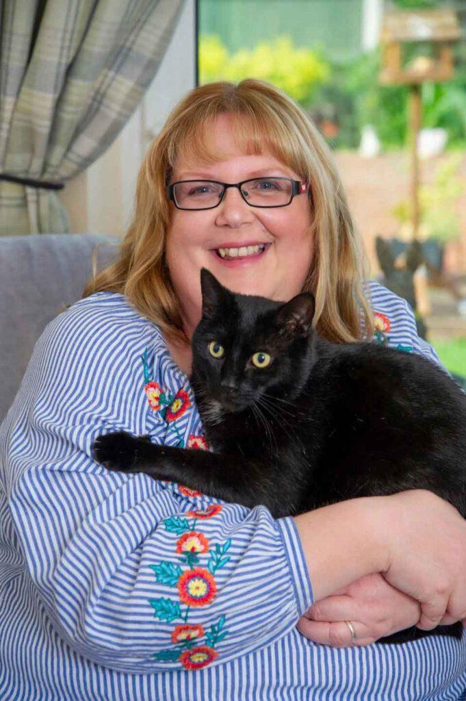 Walter chat devient héros sauvant vie propriétaire
