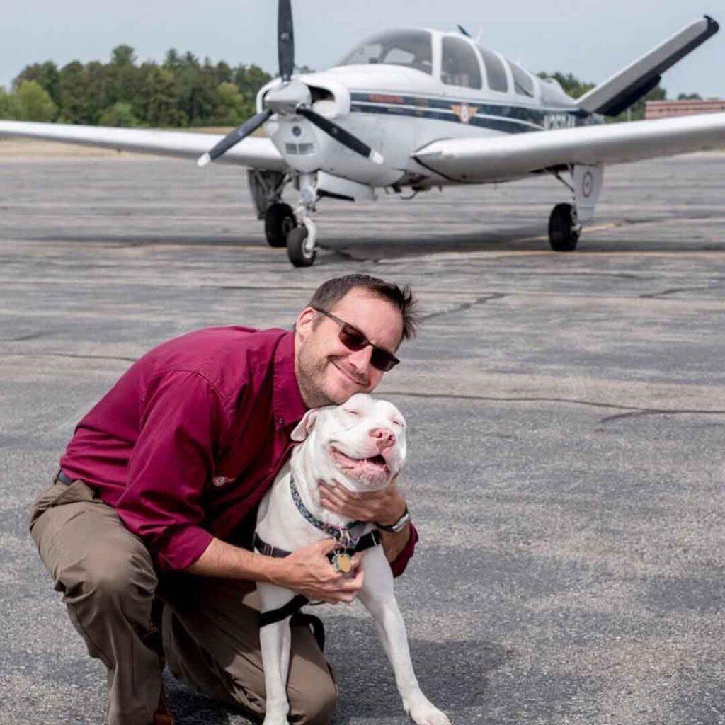 Pennsylvanie homme sauve vie chiens avion Paul Steklenski
